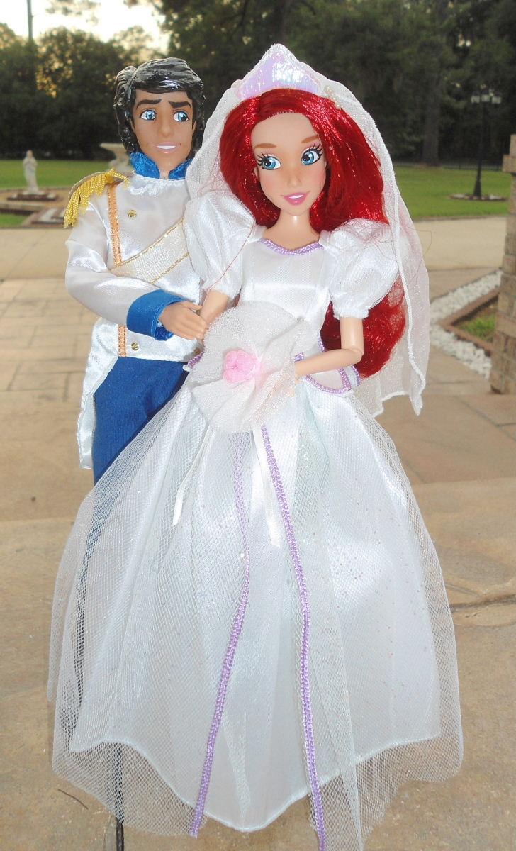 Eric Ariel 11 Wedding Doll Set