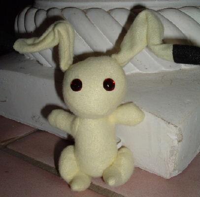"Momiji's Yellow Bunny 4"" UFO"